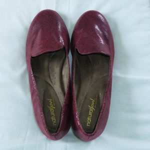 Natural Soul dark red flats size 7.5